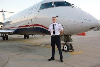 Gambar Seorang Pilot